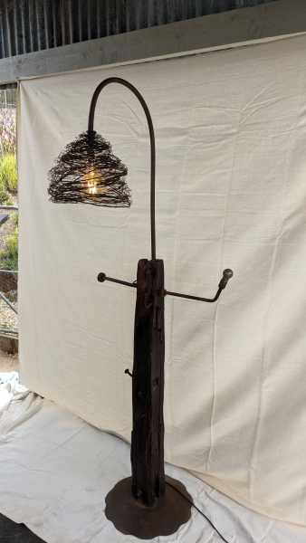 Hat-and-Umbella-Stand-Lamp-7