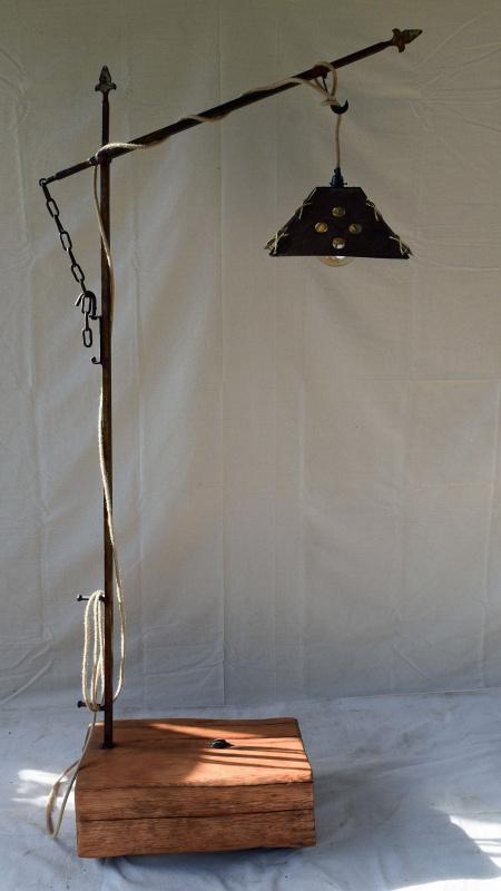 Pine-Slab-Lamp-2